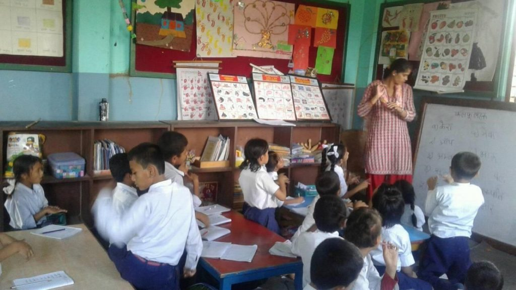a teaching teaching in her class